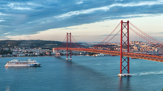 25-de-abril-bridge